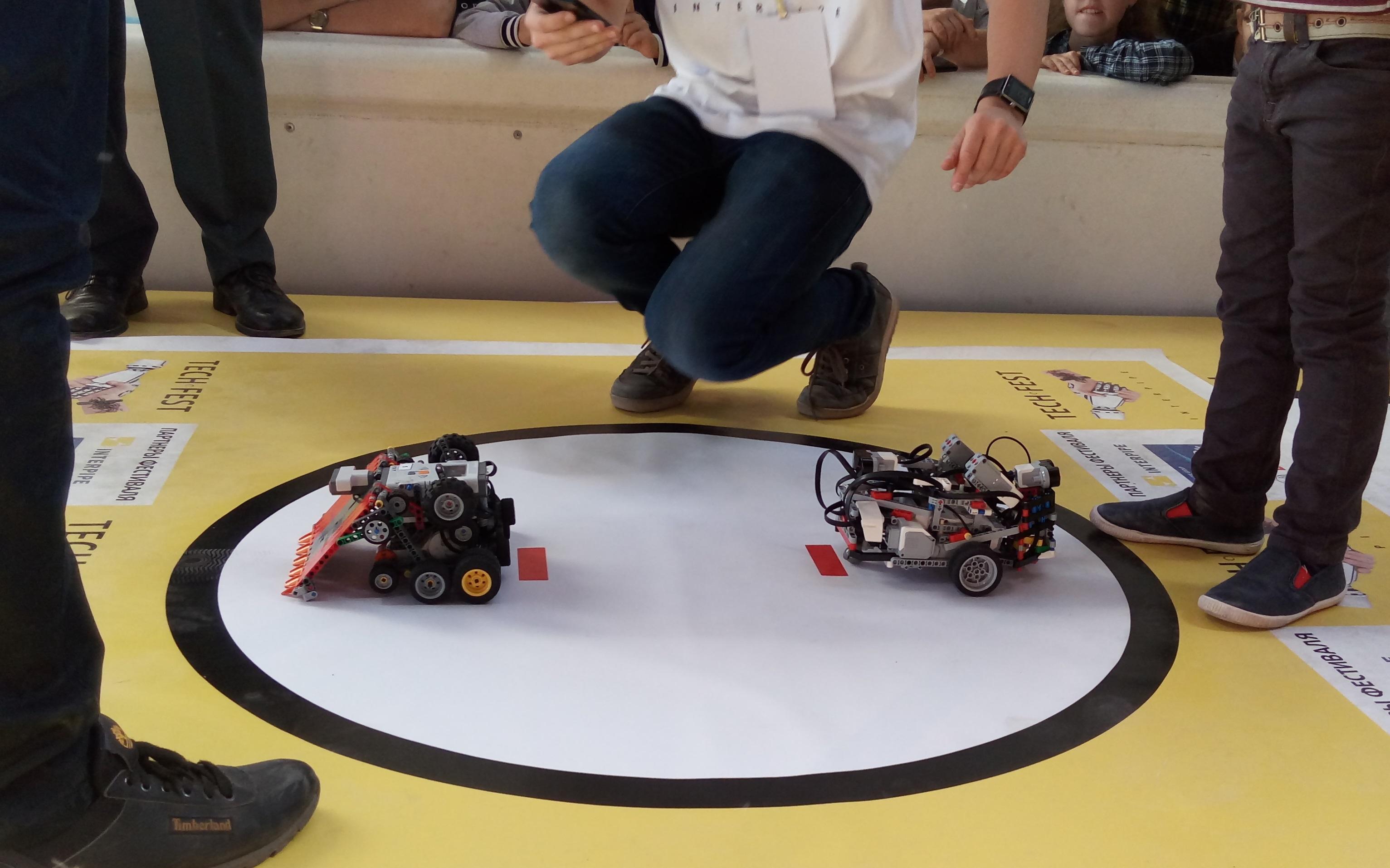 v-dnepre-proshel-festival-innovacionnykh-tekhnologijj-interpipe-techfest-robosumo