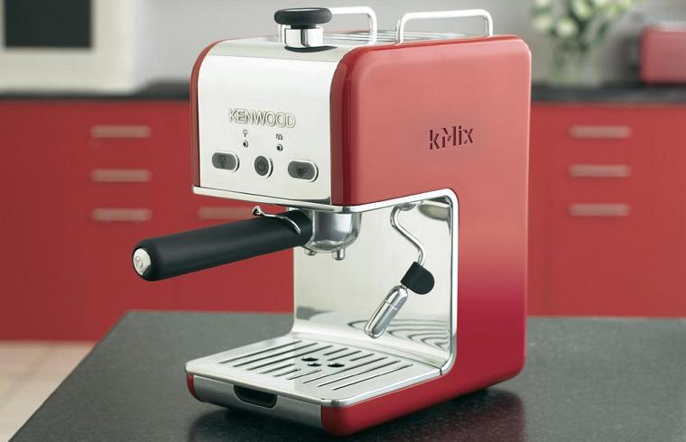 красная кофеварка kenwood