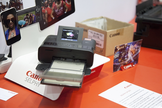 cee-2016-printer-canon-selfie