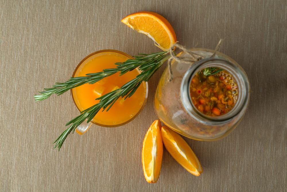 chajj-s-rozmarinom-i-apelsinom-vitaminy
