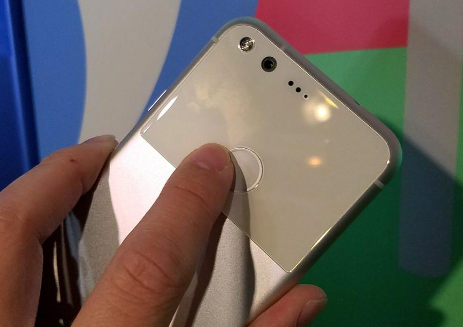 google-pixel-zadnyaya-panel