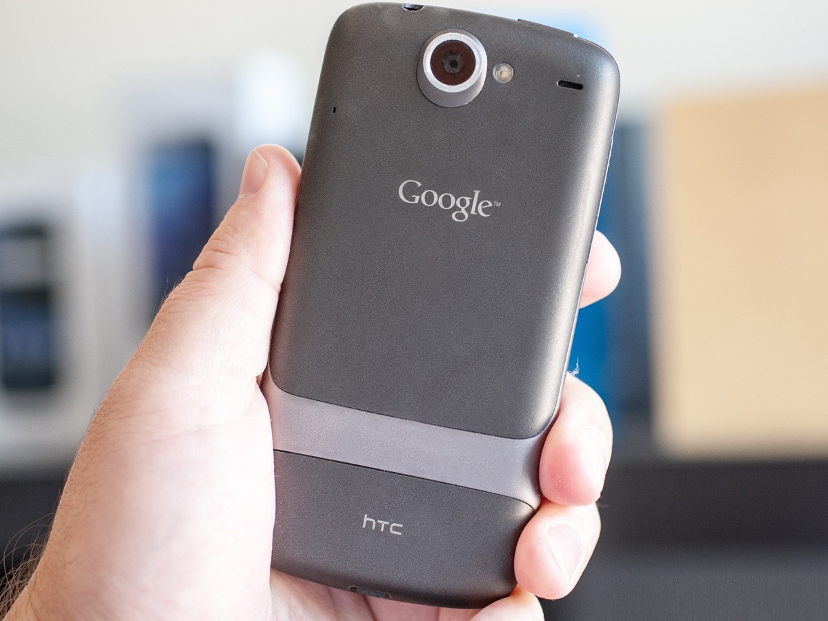 istoriya-google-smartfonov-ot-nexus-one-do-pixel-nexus-one