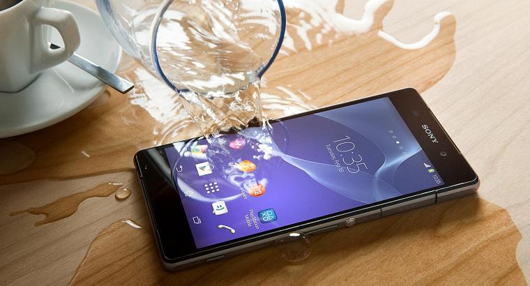 kak-kompanii-apple-samsung-i-sony-reshayut-zadachu-vodonepronicaemosti-svoikh-smartfonov