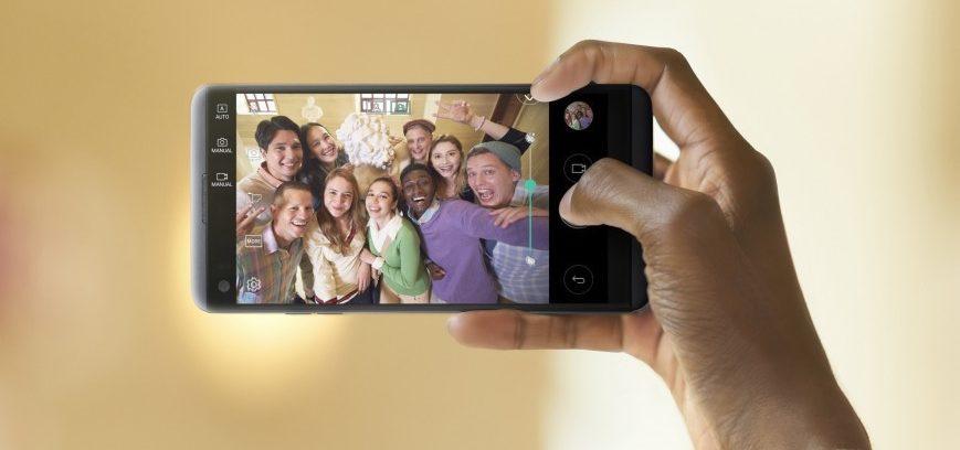 lg-v20-gruppovye-selfi