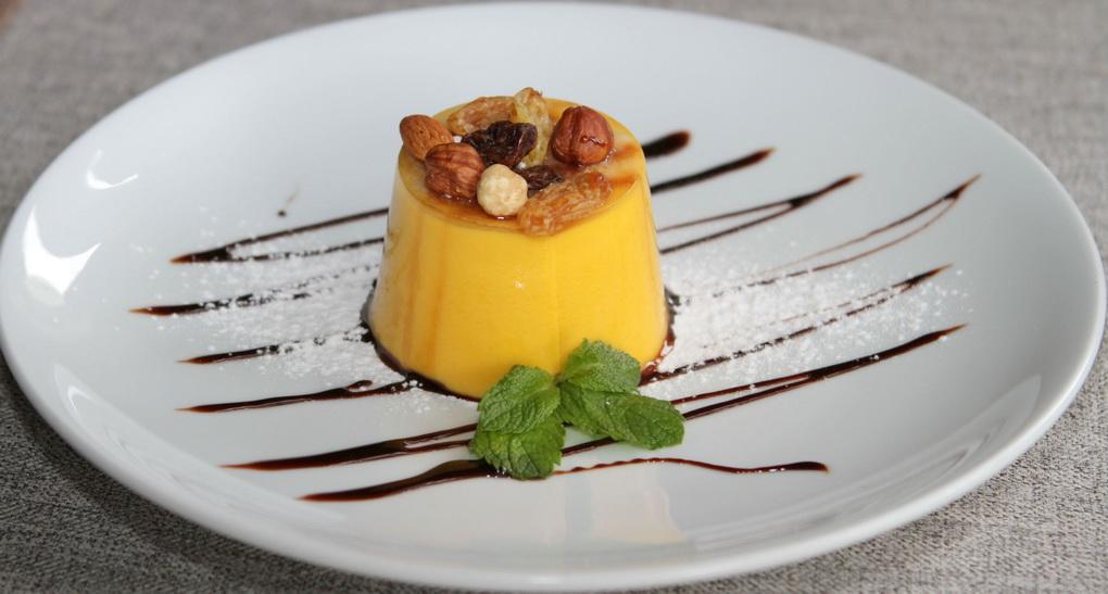 tykvennoe-sufle-podacha-deserta
