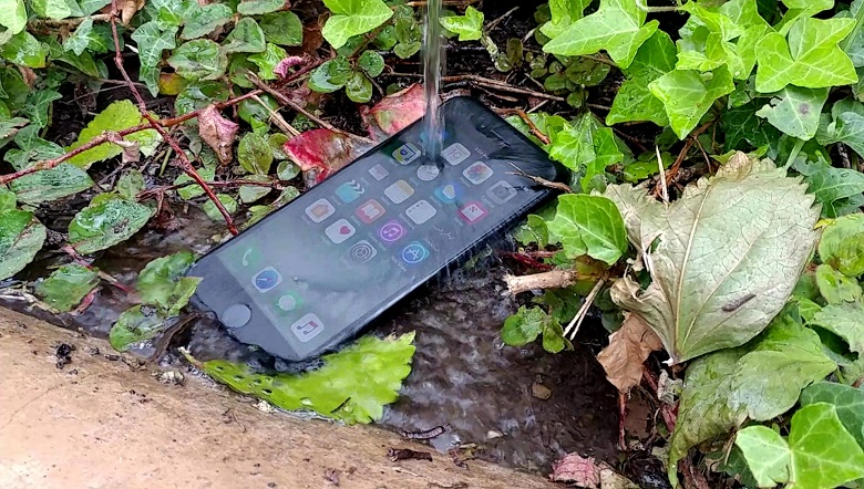 iphone-7-water-resistant