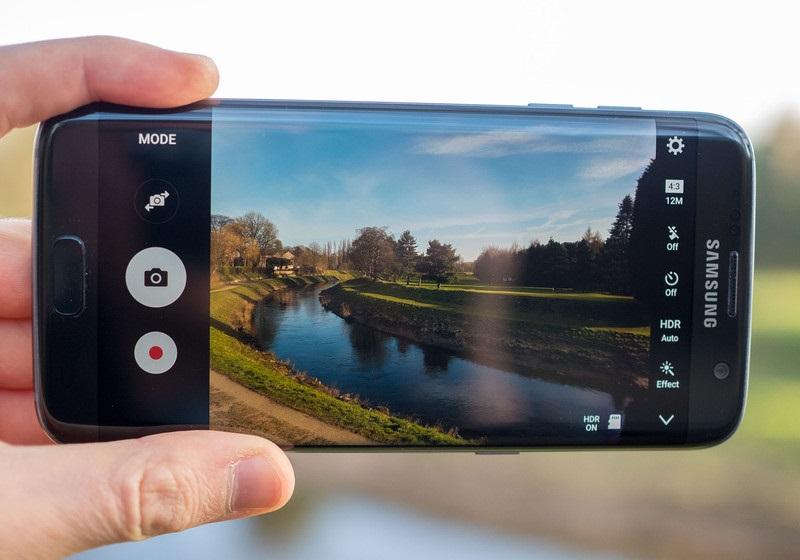 slukhi-o-samsung-galaxy-s8-kamery