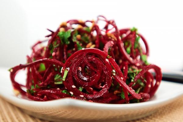 svekolnyjj-salat-s-imbirem-lechebnaya-eda