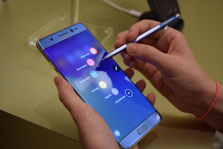 top10-samykh-neudachnykh-smartfonov-samsung-galaxy-note-7-so-stilusom