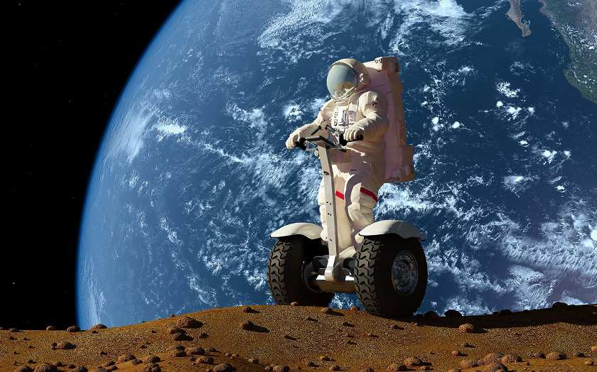 papka-foto-segway-transport-prodvinutykh-peshekhodov-kosmonavt-na-segvee