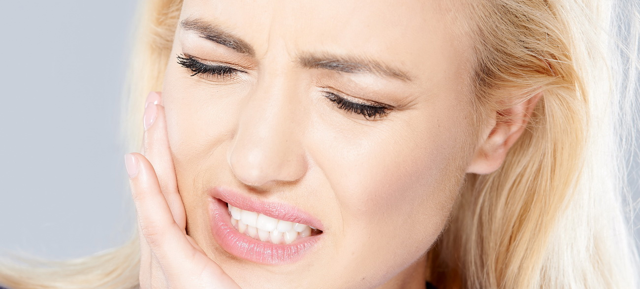 papka-foto-stan-korolevojj-prazdnika-byuti-podgotovka-k-novomu-godu-chuvstvitelnost-zubov