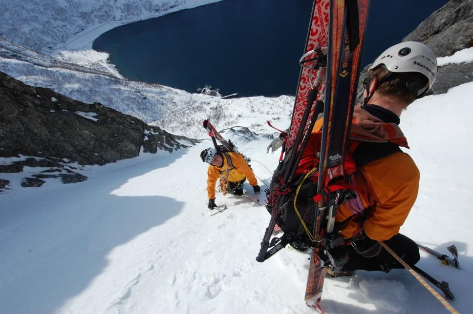 papka-foto-zasnimi-vse-svoi-priklyucheniya-pogovorim-ob-ehkshn-kamerakh-alpinist-s-ehkshn-kamerojj