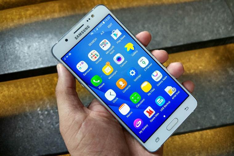 samyjj-populyarnyjj-android-smartfon