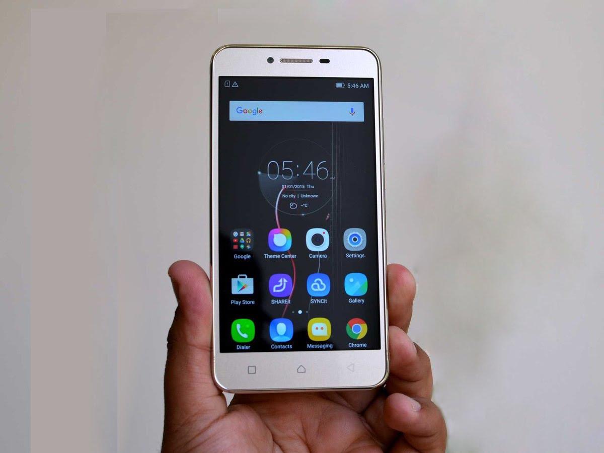 top10-smartfonov-po-nominaciyam-lenovo-k5-v-ruke
