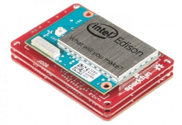 kompaniya-intel-vypustila-kompyuter-razmerom-s-kreditnuyu-kartu