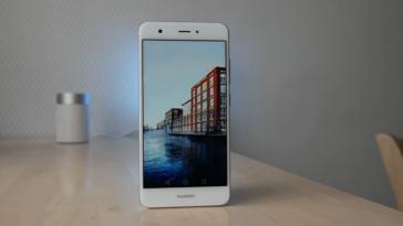 obzor-kompaktnogo-smartfona-huawei-nova-pochti-flagmana