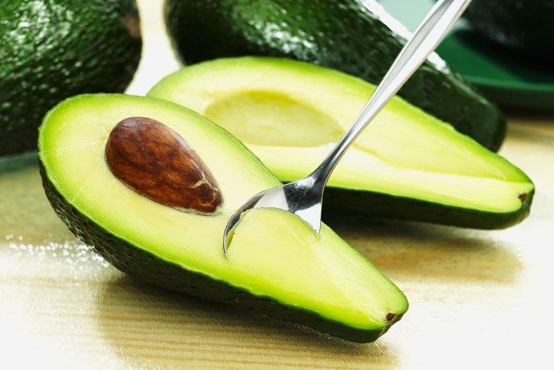 papka-foto-chto-est-zimojj-poleznye-sezonnye-produkty-avokado