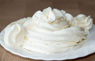 Сыр маскарпоне в миске