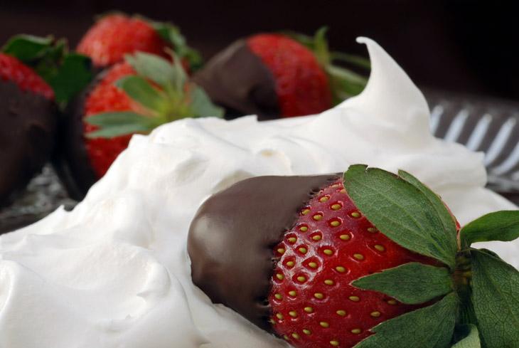 klubnika-so-slivkami-v-shokolade-foto