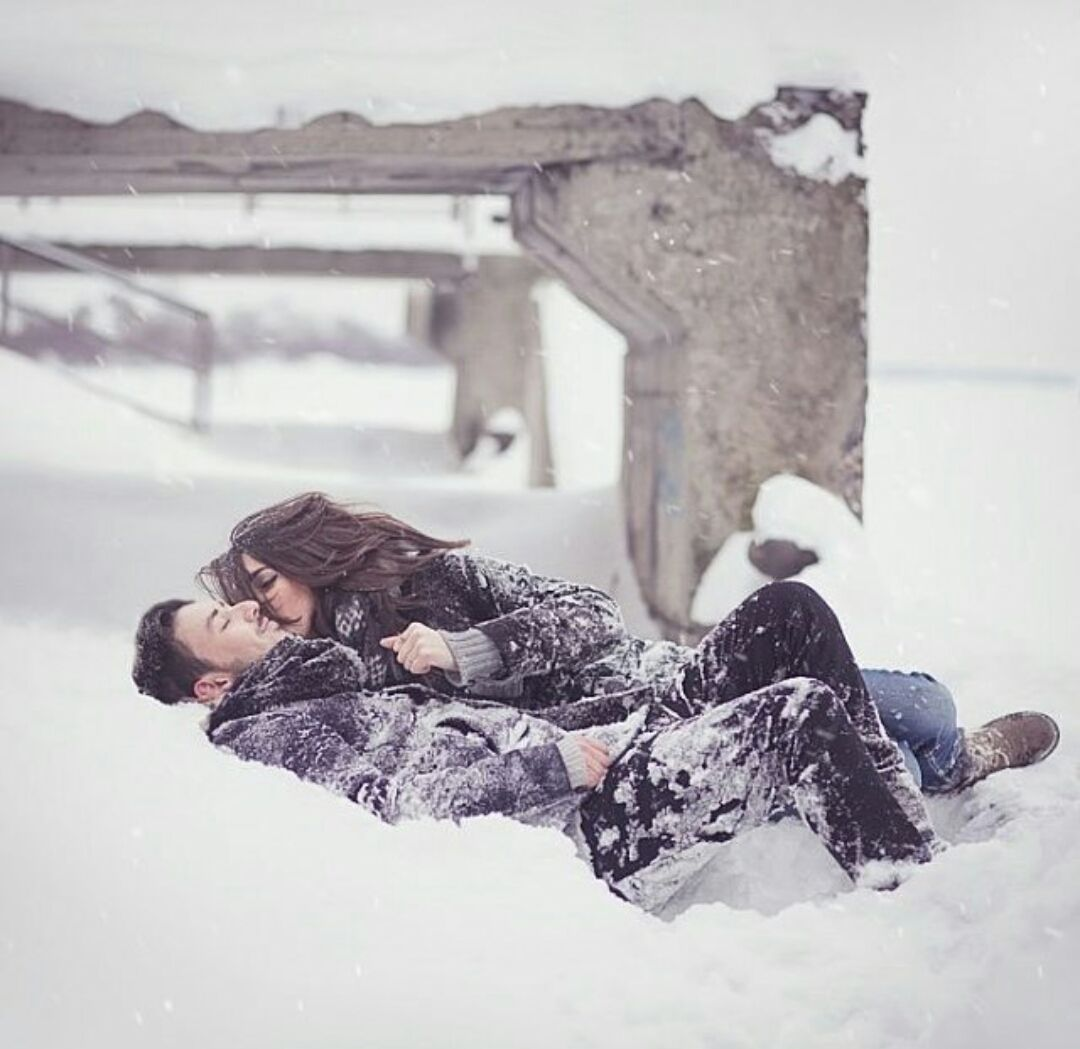 papka-foto-sneg-i-morozy-lyubvi-ne-pomekha-15-idejj-dlya-zimnikh-svidanijj-schastlivaya-para