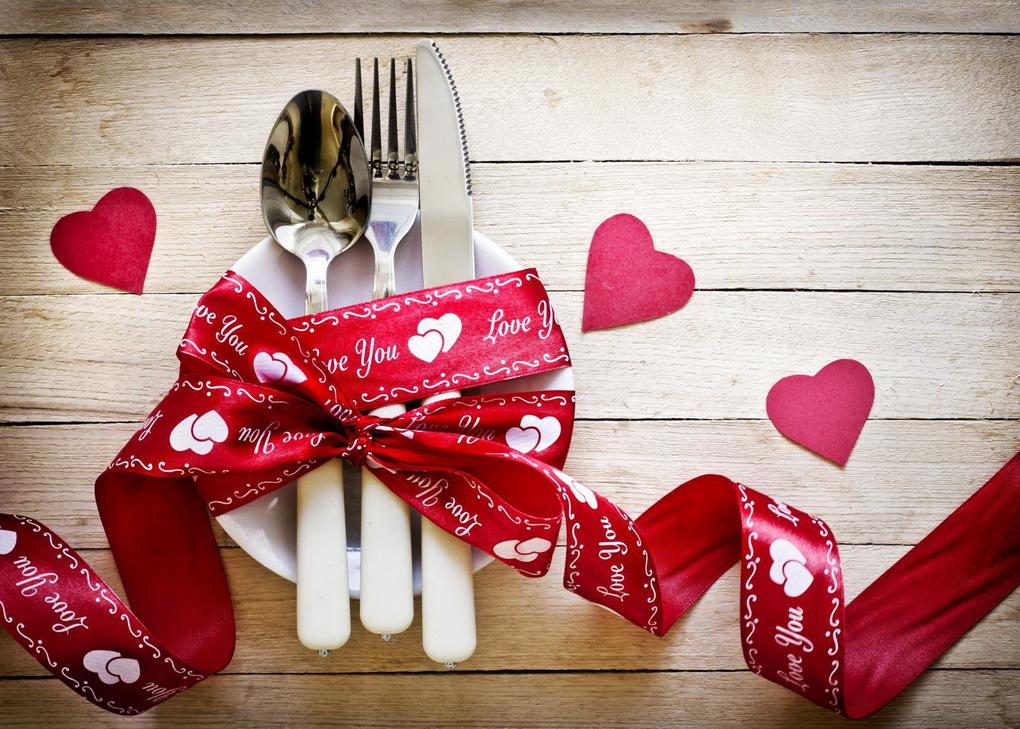 romanticheskijj-uzhin-kak-otmetit-den-svyatogo-valentina
