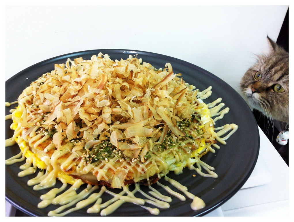 yaponskie-bliny-okonomiyaki-s-kapustojj