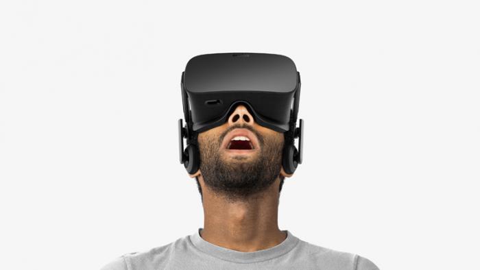 top5-podarkov-na-den-valentina-dlya-nego-muzhchina-v-ochkakh-virtualnojj-realnosti