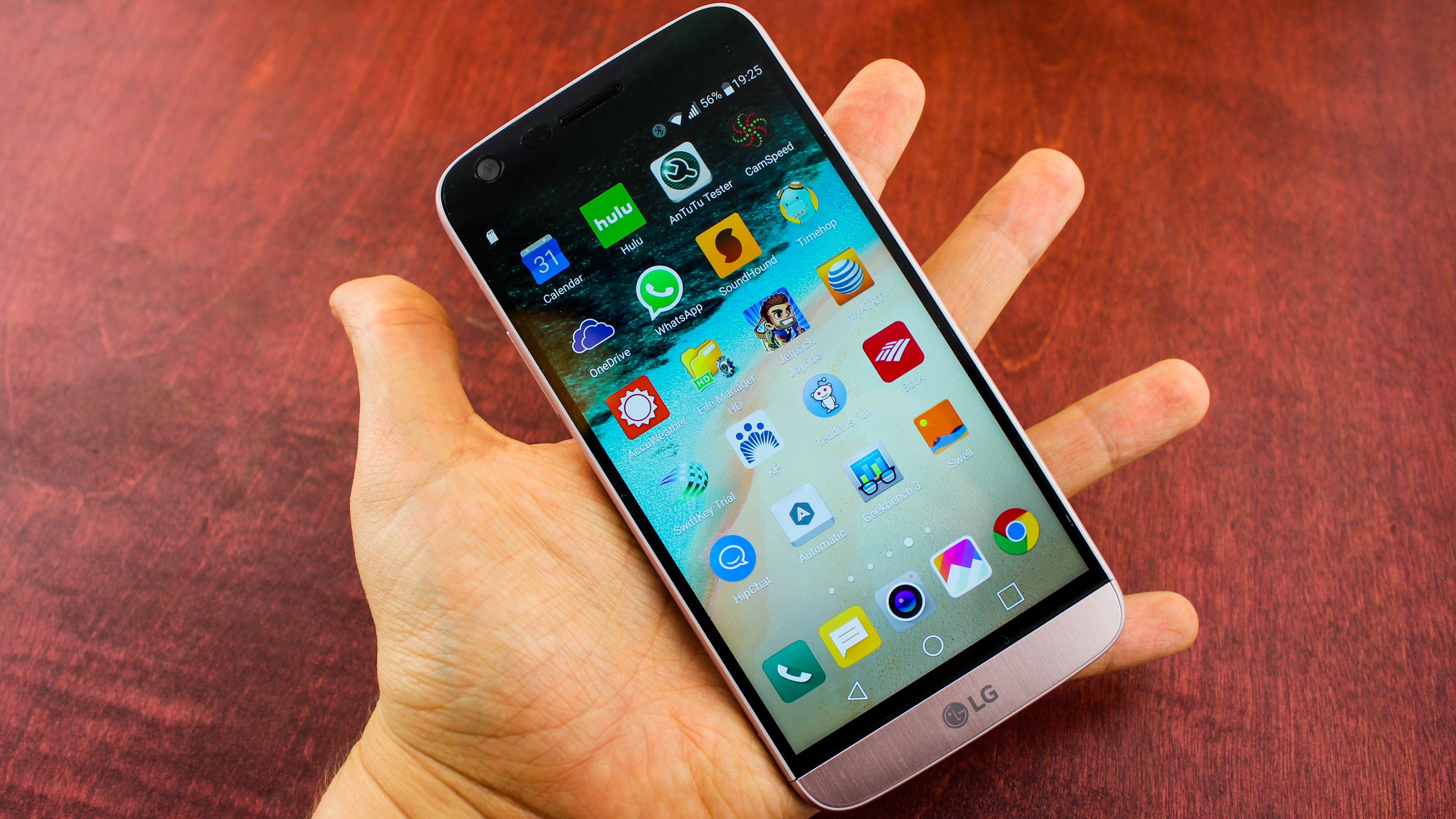 6-luchshikh-smartfonov-nachala-2017-goda-lg-g6