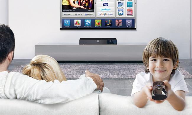 kak-nastroit-smart-tv-samostoyatelno-rebenok-s-pultom