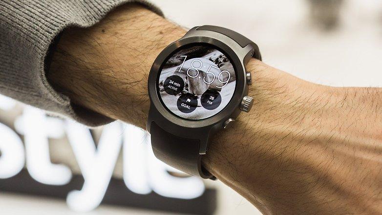 lg-watch-sport-smartchasy-sport-na-ruke