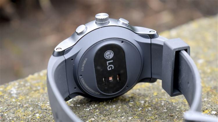 lg-watch-sport-smartchasy-sport-zadnyaya-panel