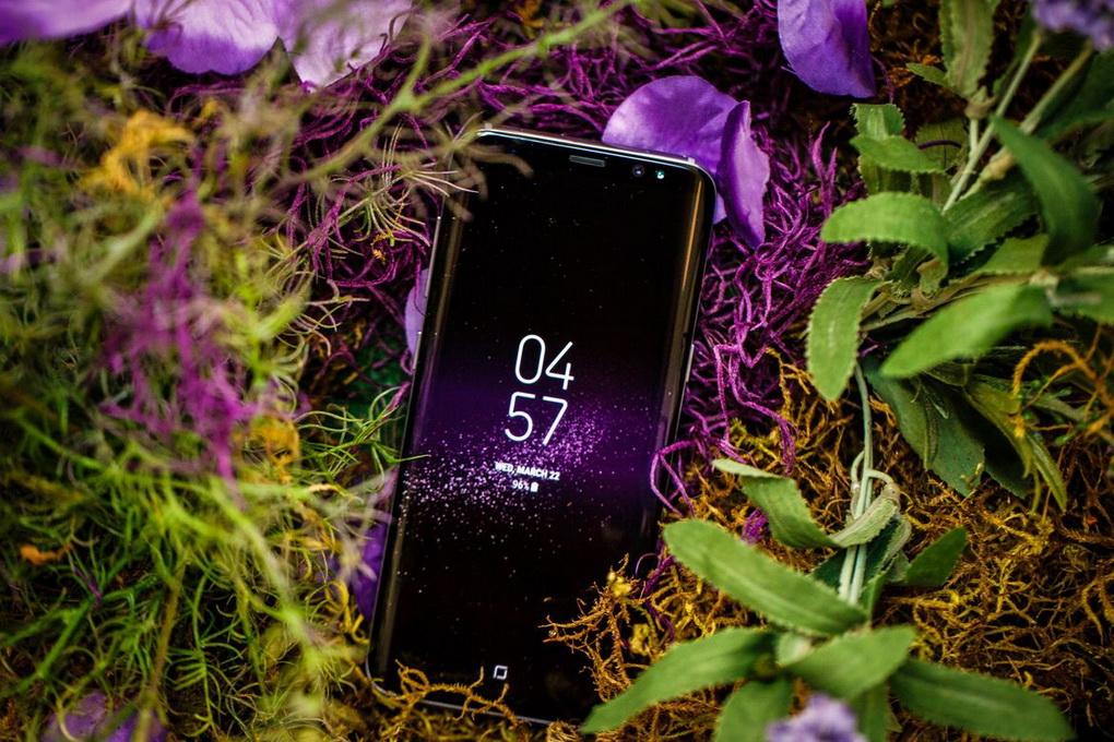 novinki-samsung-galaxy-s8-bezramochnyjj-dizajjn