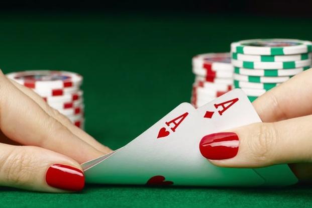 papka-foto-8-marta-istoriya-fakty-i-10-idejj-prazdnovaniya-poker