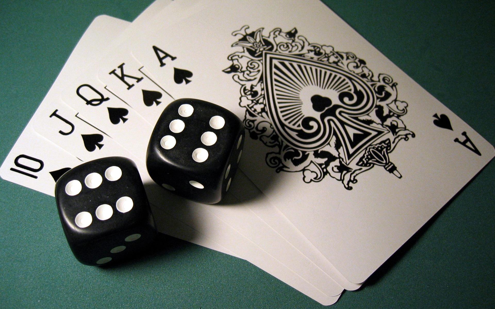 papka-foto-khobbi-kotorye-delayut-nas-umnee-i-produktivnee-poker