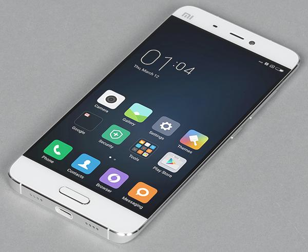 top5-smartfonov-kotorye-podesheveli-v-2017-godu-xiaomi-mi5-belyjj