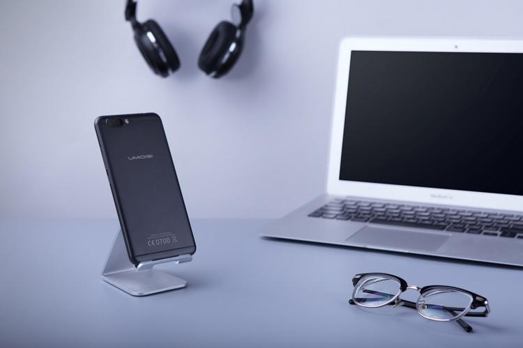 umidigi-z-pro-smartfon-s-dvojjnojj-kamerojj