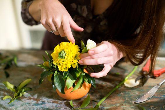 dekor-stola-citrusovymi-sostavlenie-kompozicii-foto-2