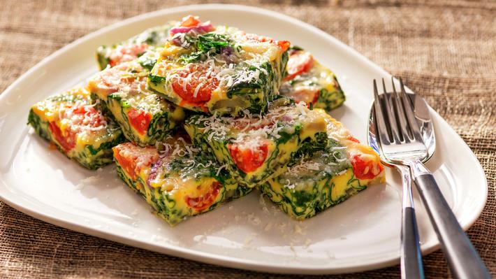 italyanskijj-omlet-frittata-podacha