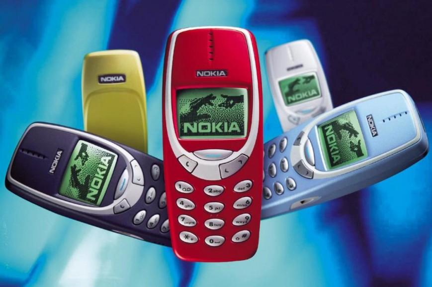 novyjj-nokia-3310-model-2000-goda-v-raznykh-cvetakh