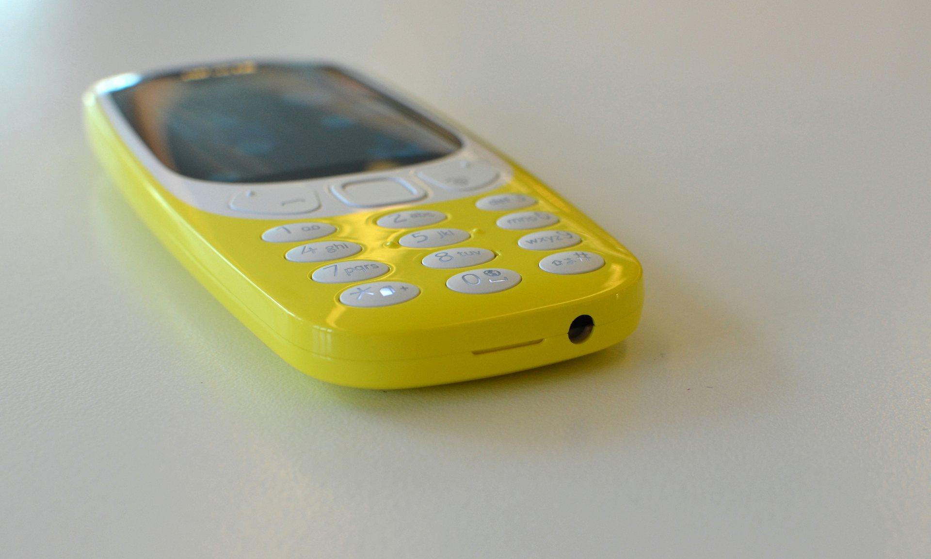 novyjj-nokia-3310-model-2017-goda-i-ee-razemy