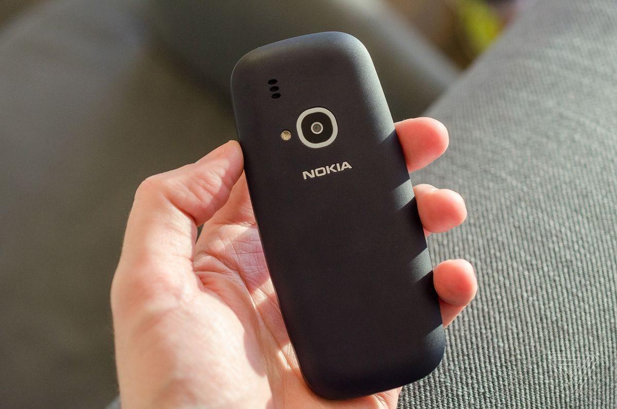 novyjj-nokia-3310-model-2017-goda-s-kamerojj