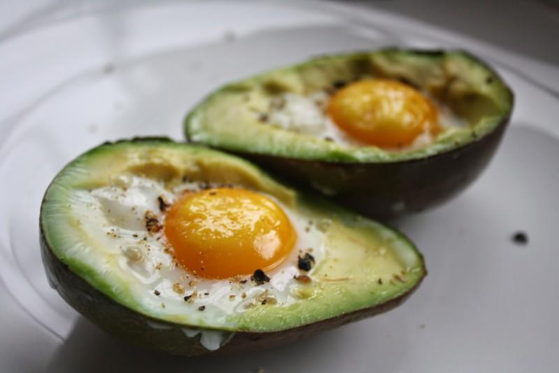 yajjco-v-avokado-idealnyjj-zavtrak