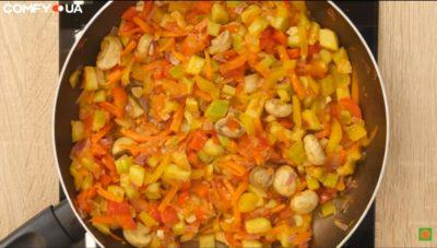 Обсмажені овочі для страви з телятиною