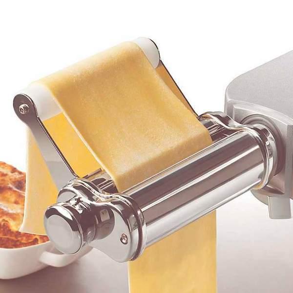 Дополнительный арсенал для кухонных машин - насадка для раскатки теста