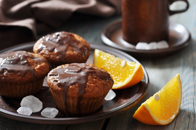 Carrot muffins with melted chocolate