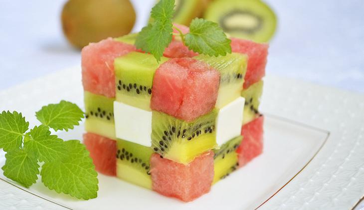 Фруктовый салФруктовый салат-кубик Рубикаат-кубик Рубика