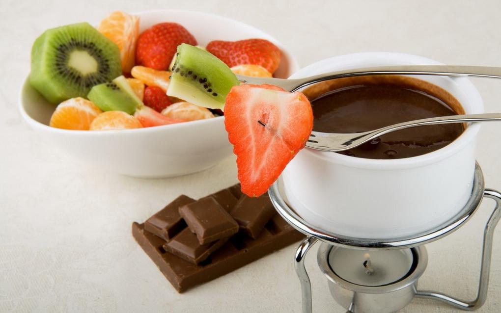 Фрукты и ягоды-в шоколаде