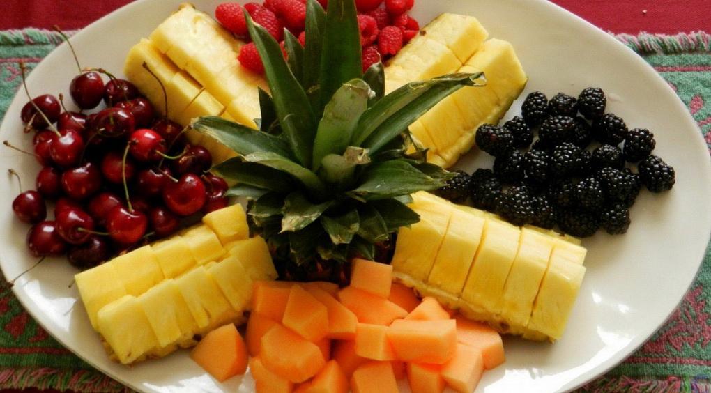Нарезка-ягоды и фрукты фото 2