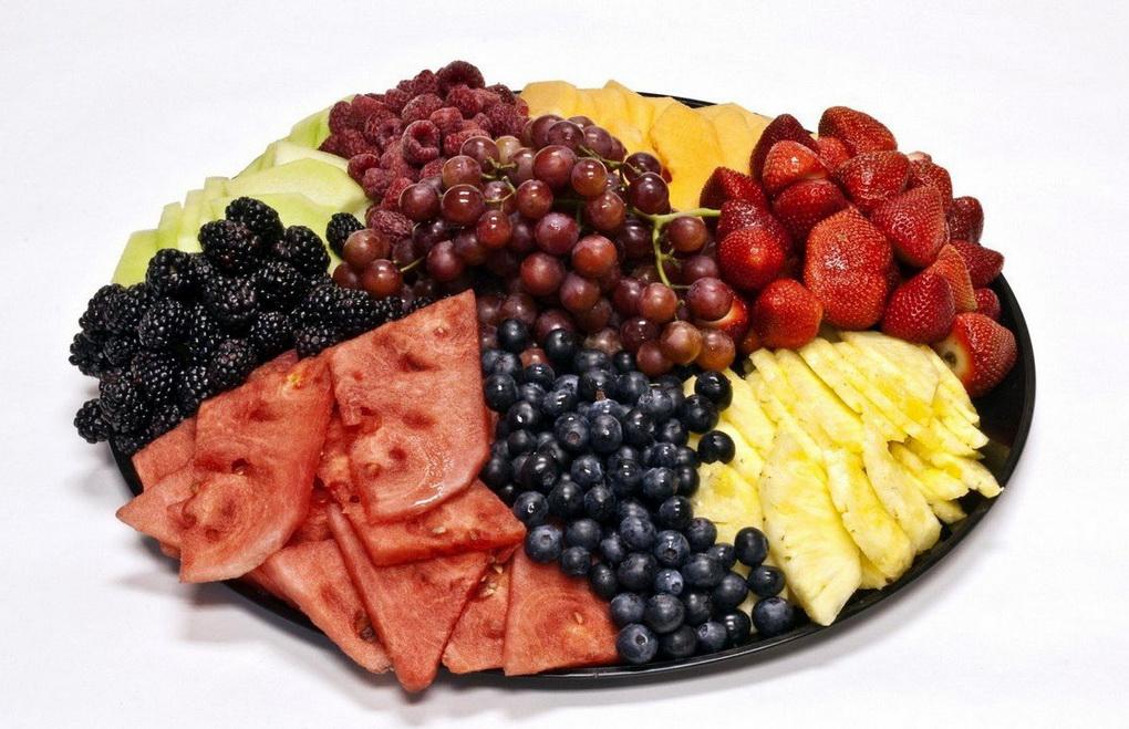Нарезка-ягоды и фрукты