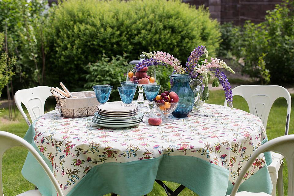 Обед на свежем воздухе-летняя сервировка стола